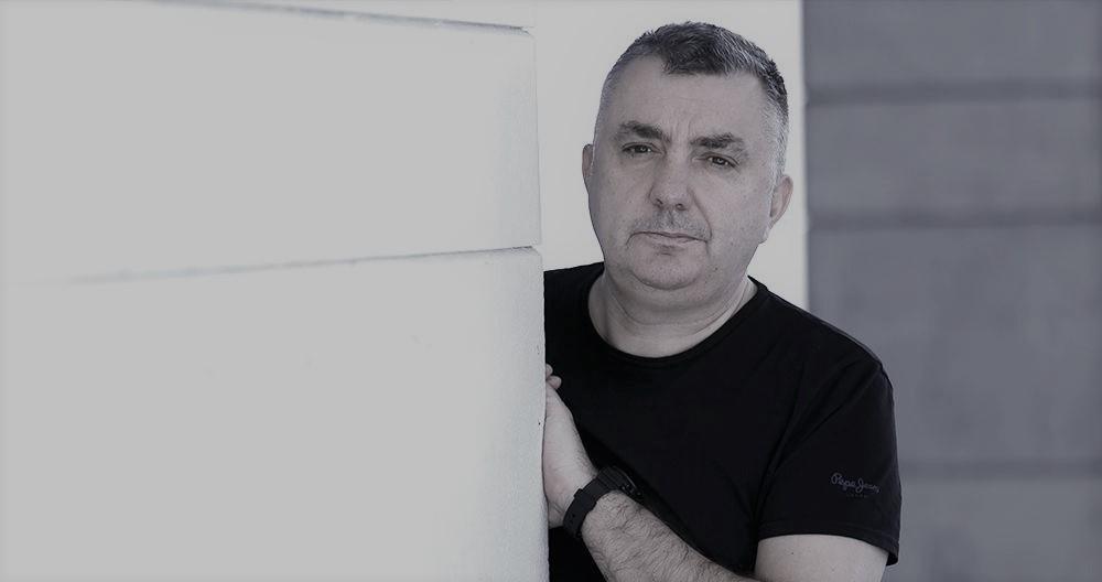 """Entrevista com o escritor espanhol Manuel Vilas, a propósito de """"Em Tudo Havia Beleza"""", o seu primeiro livro publicado em Portugal pela Alfaguara Portugal   INTRO"""