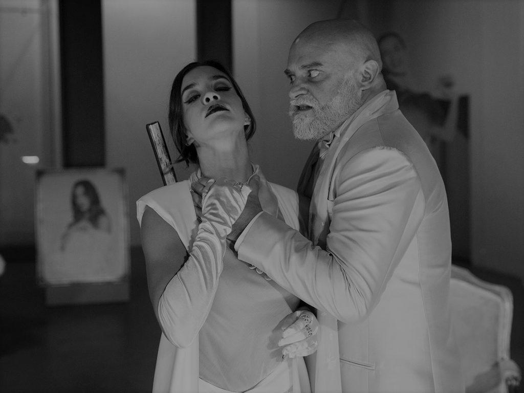 Crítica da peça Lulu, de Frank Wedekind, na versão de Miguel Graça e encenação de Carlos Avilez, apresentada no Teatro Municipal Mirita Casimiro a 6/12/2019 | INTRO