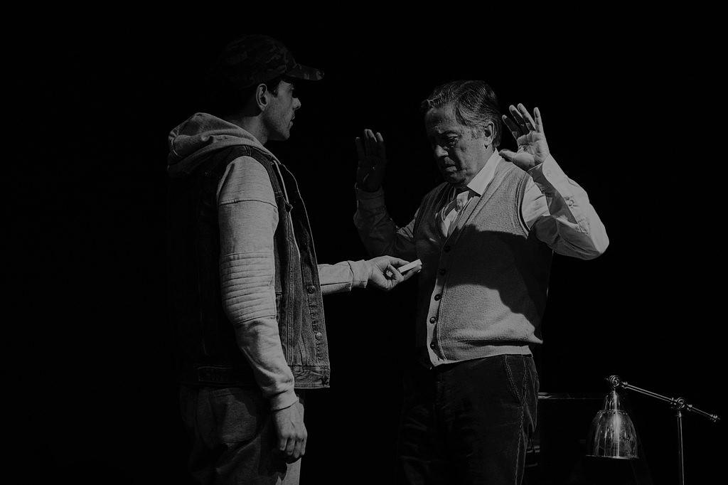 Crítica da peça de Caryll Churchill Um Número, apresentada no Teatro da Trindade no passado dia 5 de Fevereiro, com Virgílio Castelo e José Pimentão   INTRO