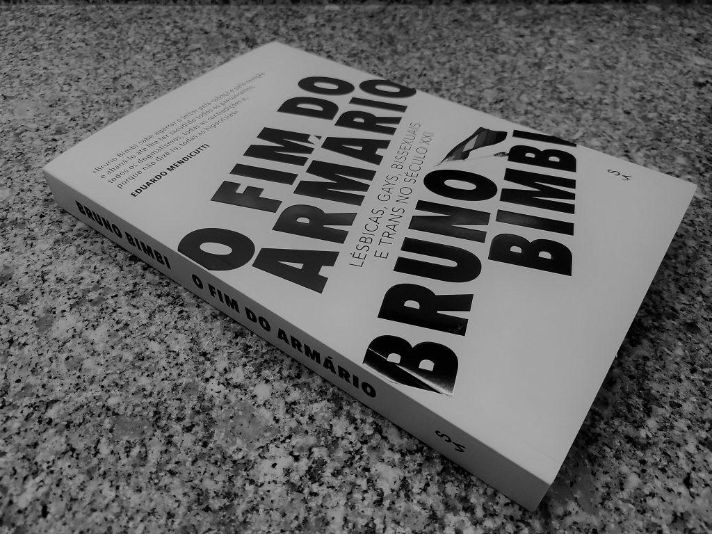"""Recensão do livro """"O Fim do Armário"""", da autoria do activista brasileiro Bruno Bimbi, editado pela Sextante em 2020   INTRO"""
