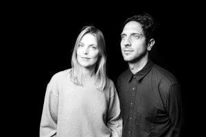"""Crítica do álbum """"Wait For Me"""", do duo britânico Snowpoet, com edição marcada para 19/2/2021 com o selo Edition Records   INTRO"""