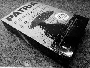 Recensão do livro Pátria, escrito pelo multipremiado autor espanhol Fernando Aramburu e editado em Portugal pela D. Quixote em 2018   INTRO