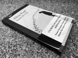 Recensão do livro Irmão de Gelo, escrito pela artista catalã Alicia Kopf (pseudónimo de Imma Ávalos Marqués) e editado pela Alfaguara Portugal em 2018   INTRO