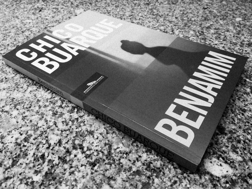 Recensão crítica do livro Benjamim, da autoria de Chico Buarque, editado em 2017 pela Companhia das Letras Portugal   INTRO