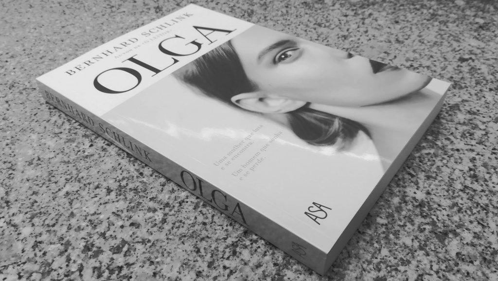 """Recensão do livro """"Olga"""" da autoria do jurista e escritor alemão Bernhard Schlink e editado em Portugal pela Edições Asa em 2019   INTRO"""